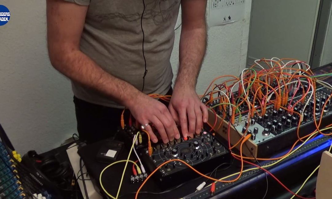 Video: Workshop and performance with Marc Sirguy from EOWAVE