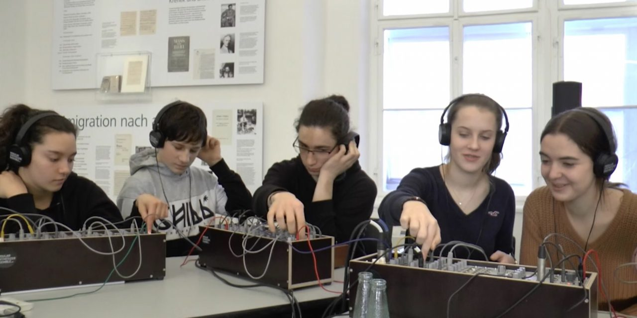 Education at SUPERBOOTH19: Modular Synthesizer Ensemble